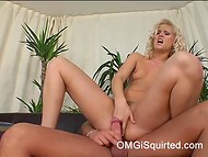 Sarah Blue's happy face and wet pussy suggest that sex action with gentle dude was awesome