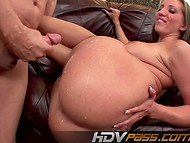 Magnificent queen Kelly Divine jumping on a rising boned with her amazing big butt