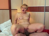 Short-haired mature woman feels herself much younger after getting her flabby vagina fucked   8