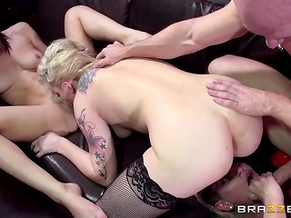 Bailey Blue in company with her girlfriends making dude's intimate dreams come true