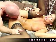 Привлекательная секс-картина с участием August Ames в главной роли 9