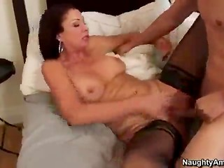 Sexy cougar Vanessa Videl moving her ass on the dick