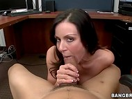 Busty secretary took a five-minute break to present her boss a nice mouthjob