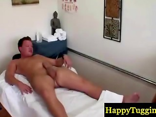 After a good massage pretty Asian female made her client cum for extra money