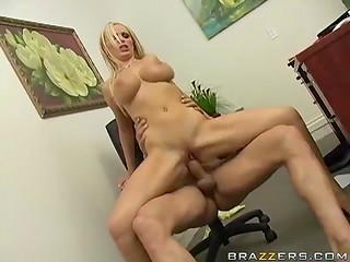 Smoking-hot secretary stays after work to help her boss cum right in the office
