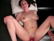 Amatør sex-film præsenterer sløv maiden med efterfølgende bryster og hendes fucker