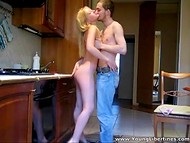 Dude fries a sexy chick on the kitchen table during the breakfast before going to work