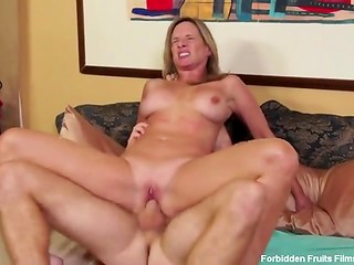 Charming stepmom wants her stepson badly