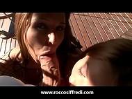 Великолепный Rocco Siffredi шалит с двумя бесподобными кисами