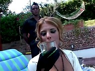 Luxurious Italian Nadia Macri was relaxing in the backyard with black and white servants 4