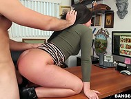 Male had to work hard with his hips satisfying beautiful Brittany Shae to get the job  4