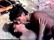 Винтажный греческий фильм демонстрирует прелестных девушек и их похотливых любовников