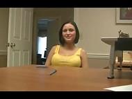 Агент запихнул член кандидатке в анус, чем заставил её истошно стонать 11