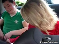 Russian guys picked up the dame that agreed to give blowjob in the car for good money 5