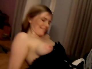 Финская красотка трахается в сексуальном чёрном корсете