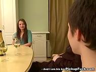 Бутылочка шампанского послужила толчком к великолепному траху с милой россиянкой 4