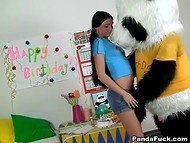 Панда поздравляет прелестную русскую хозяйку с днём рождения по полной программе 4