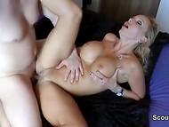 Два члена находят своё место в разработанных дырочках крутой немецкой порно дивы 8