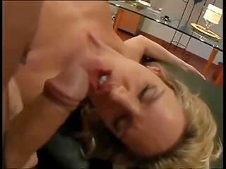 For this blondie the better sex is after morning shower
