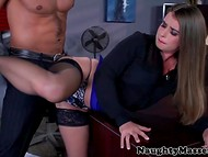 Tired business lady Bunny Freedom was in need of relaxing massage and enjoyable fuck 4