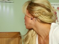 Visitor Cindy Cruz convinced blonde Nina Elle to continue relaxing massage 4