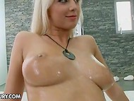 Blonde rubbed pussy in the shower but when pizza delivery guy came she invited him to the house 5