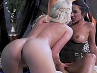 Light-haired Spencer Scott and alluring brunette are kissing passionately and fingering vaginas 7
