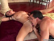 Womanizer performed cunnilingus for gorgeous babe's pussy and slammed on the couch 4