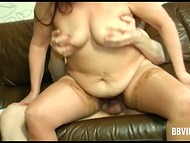 German guy paid attention to mature baroness and after little talk he threw the leg 8