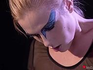 Вместо запланированной репетиции молодые балерины полезли язычками и пальчиками под пачки 10