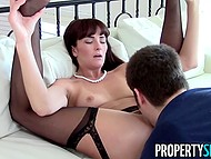 Estate agent Bianca Breeze's panties got off when dude pulled out five thousand dollars 8
