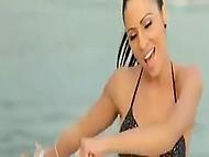 Музыкальный клип с обнажёнными сценами с участием отпадной певицы Sandra Afrika из Сербии 10