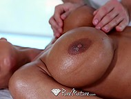Well-figured dame calls regular masseur in apartment to have some special treatments 6