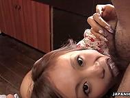 Крошка из Японии жаловалась, что морковка слишком холодная для киски и партнёр предложил соснуть его конец 11