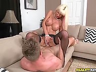Rich widow with white hair met young stranger for having spontaneous pounding 7