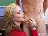 Teacher Julia Ann decided threesome will help Miley May and her classmate to avoid misunderstanding 4
