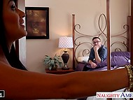 Wife stuck in the traffic so Latina concubine Charley Chase and beau with glasses gained one hour 3