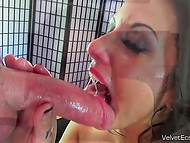 Latina with bright lipstick is ready for deepthroat and anal for being famous on sites for adults 4