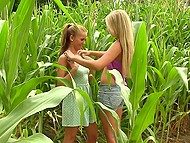 Lesbians have fun in the field far away from their city and feel real freedom 3