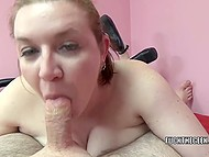Lady gives a blowjob to the guy and swallows sperm obtained in her mouth later