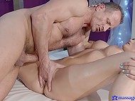 Voluptuous masseur had carnal sex with buxom client after doing exercises 7