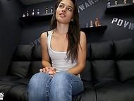 Худенькая тёлочка мечтает о том, чтобы сниматься в порно фильмах 4