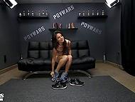 Худенькая тёлочка мечтает о том, чтобы сниматься в порно фильмах 6