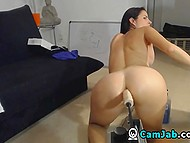 Big-titted dame bought new fucking machine and checked it on webcam 10
