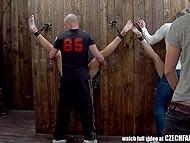 Чешское заведение с потрахулечками вслепую пользуется спросом у молодых парней 5