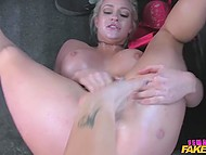 Chesty taxi driver sat near blonde client on the back seat to fool around with pussy in the British video 9