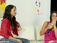 Young gal wanted to give boyfriend a great blowjob and stepmom shared experience with her 3