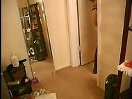 Парень снимает на камеру, как он вылизывает киску своей татуированной пышногрудой подружке 4