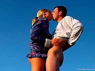 Очередной фотосет был посвящён аграрной тематике, поэтому тёлочка в клетчатой рубашке и партнёр совокуплялись не покладая рук 8