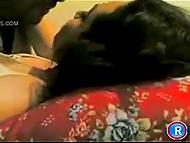 Мужчина пополнил частную видео коллекцию, засняв себя в постели с любимой арабской женой 5